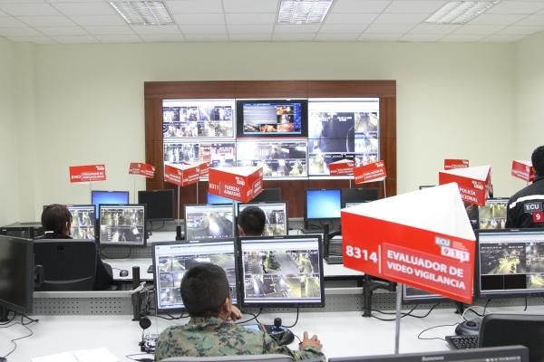 El área de vídeo vigilancia, cuenta con equipos de última tecnología. Foto:  Alex Godoy R / ImbaburaHoy