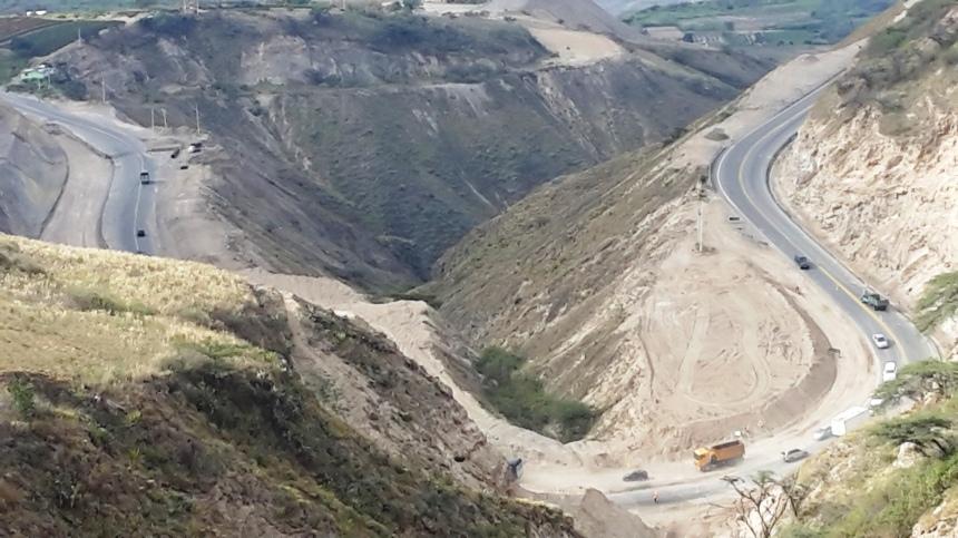 La vía alterna es la  Bolívar-El Ángel-Mira-Mascarilla (52.2 km) para quienes prevén viajar de forma directa en la ruta Ibarra-Tulcán y viceversa. Foto: Cortesía
