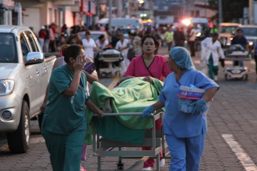 Ibarra.- De acuerdo al plan de contingencia, todos los pacientes fueron ubicados en un lugar seguro. |Foto: Alex Godoy R/ Hoy en Imbabura