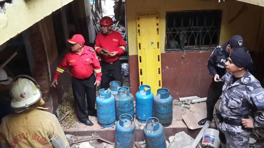 Ibarra.- La vivienda donde ocurrió la deflagración, sufrió graves daños estructurales.   Foto:  Cortesía David Valdivieso CBI