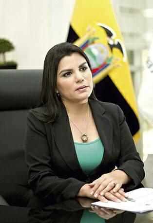 Lorena Tapia Núñez  Ministra de Ambiente